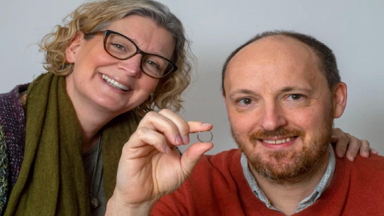 پیدا شدن عجیب حلقه ازدواج پس از ۶ سال!