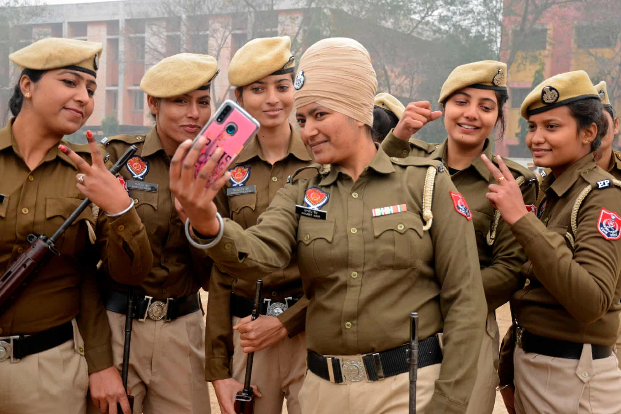 سلفی بانوان پلیس در هند