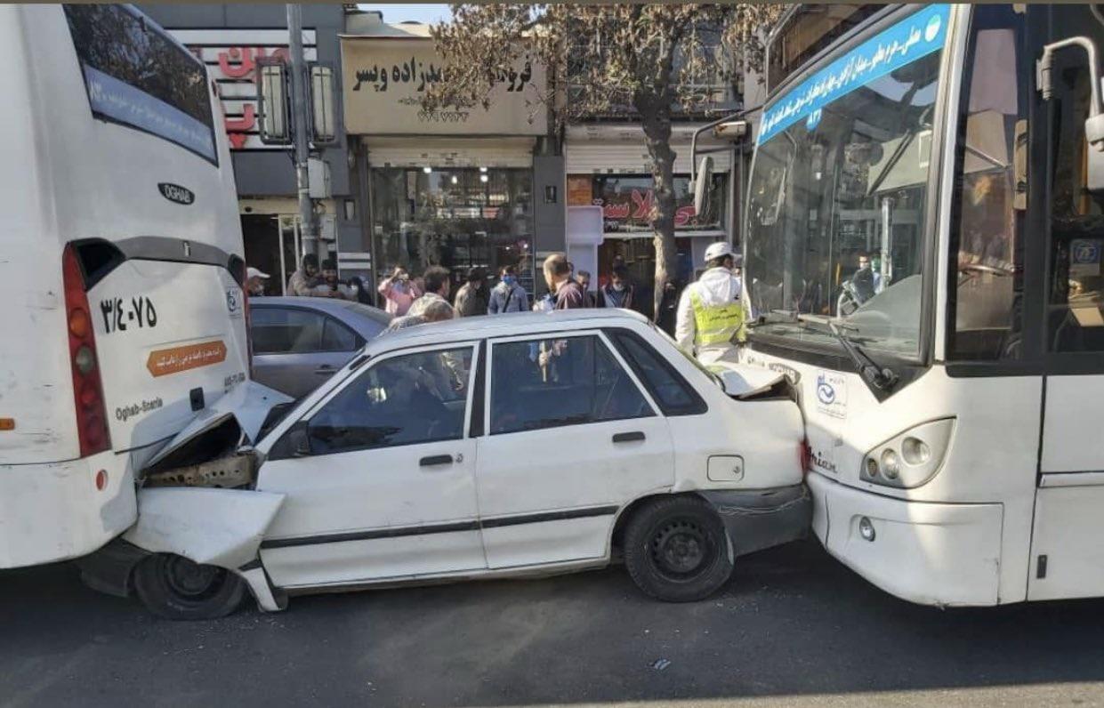 بلایی که دو اتوبوس سر پراید در مشهد در آوردند