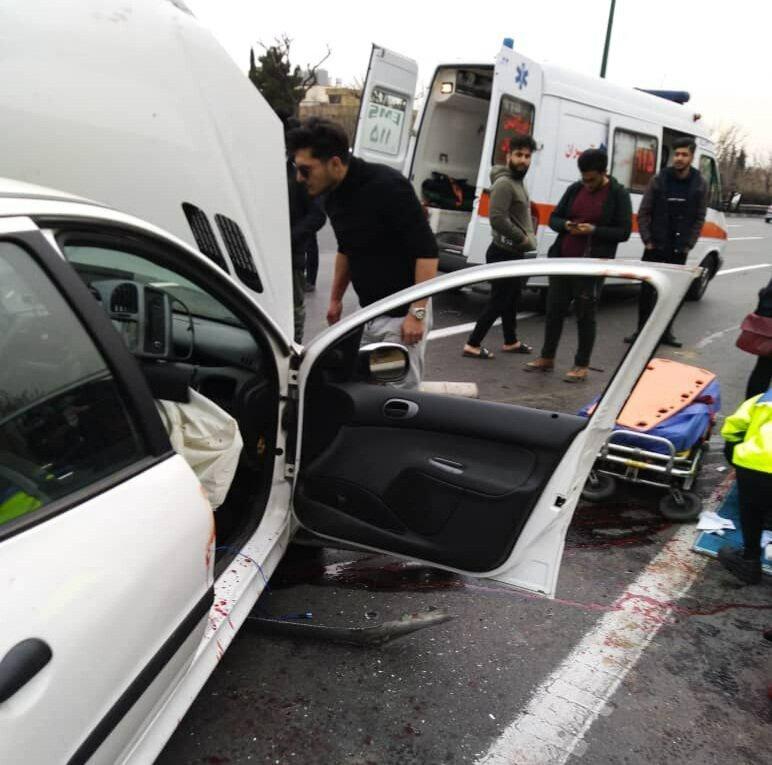 تصادف وحشتناک در بزرگراه یادگار امام/ هر دو پای راننده قطع شد