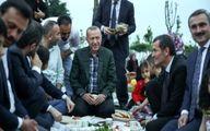 تصاویر: افطاری خوردن اردوغان با شهروندان در یک پارک