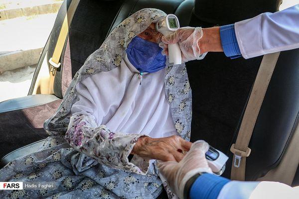 تصاویر: واکسیناسیون خودرویی در مشهد