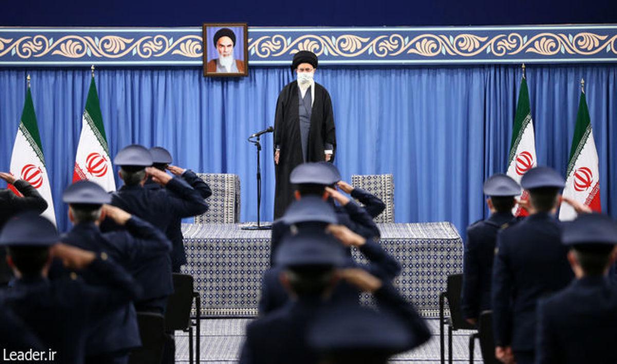 اتمام حجت رهبر انقلاب درباره تحریمها /آمریکا باید تحریمها را در عمل کلاً لغو کند