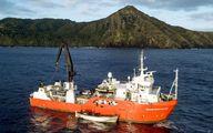 نجات معجزه آسای دریانورد با زباله دریایی! +عکس