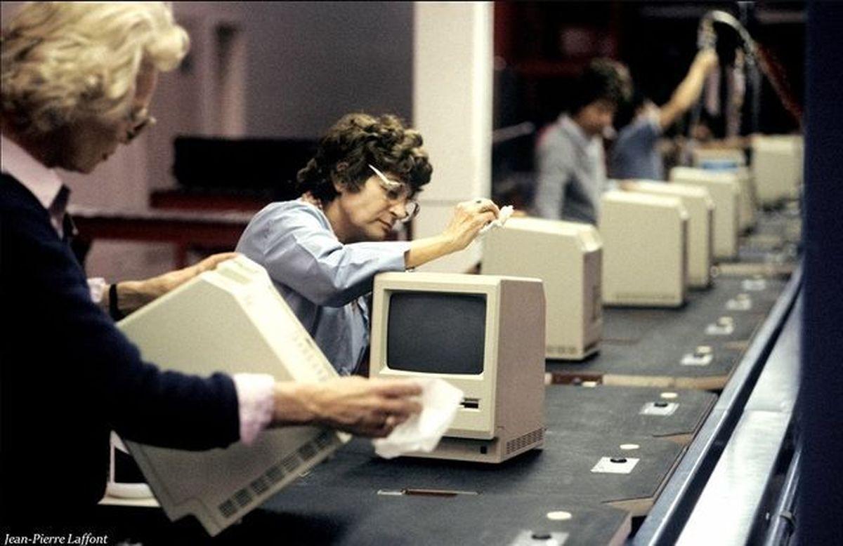 خط تولید کامپیوتر +عکس