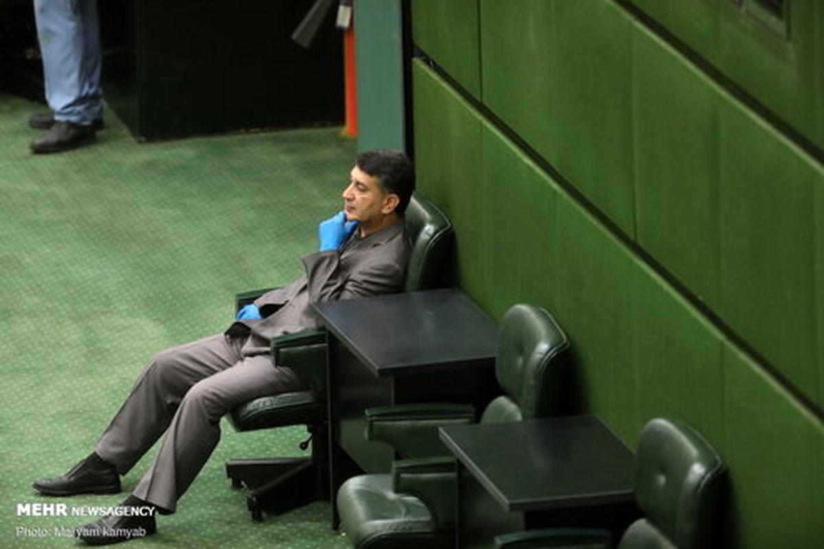 عکس: نماینده اخلالگر بازار خودرو در جلسه امروز مجلس
