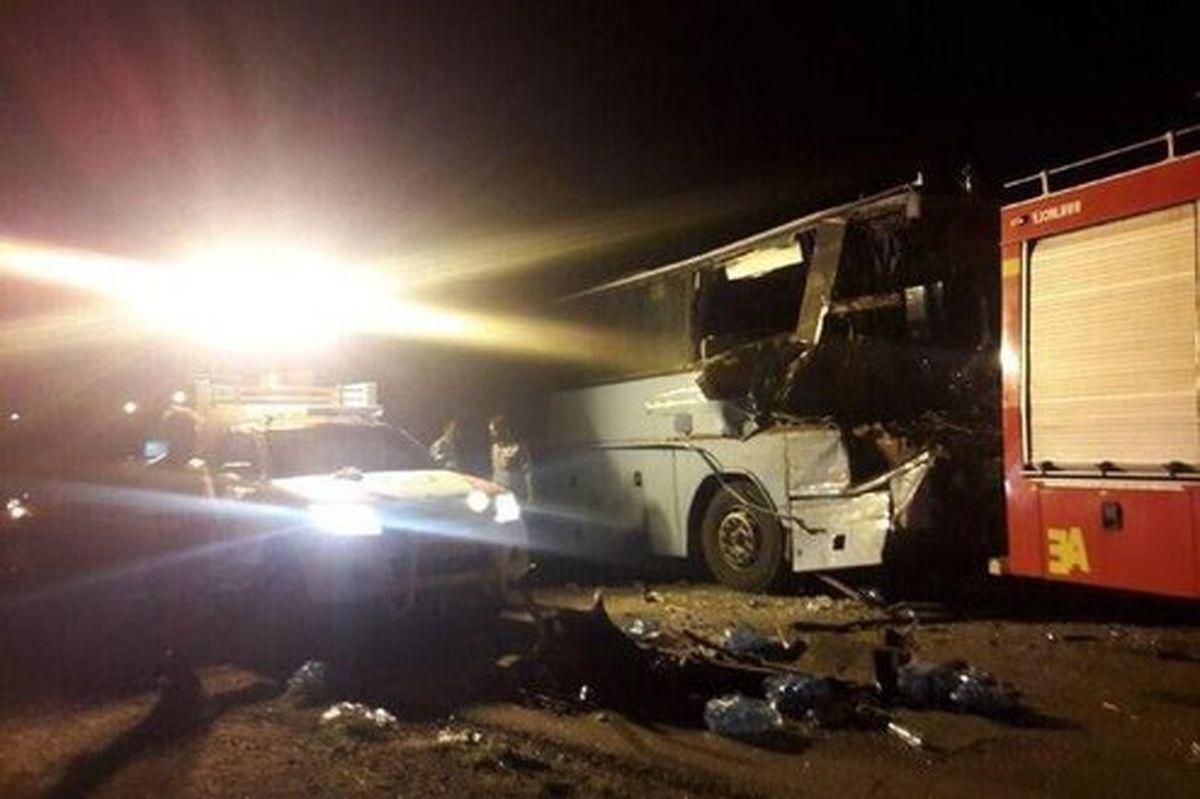 تصادف مرگبار اتوبوس با تریلی در محور دامغان