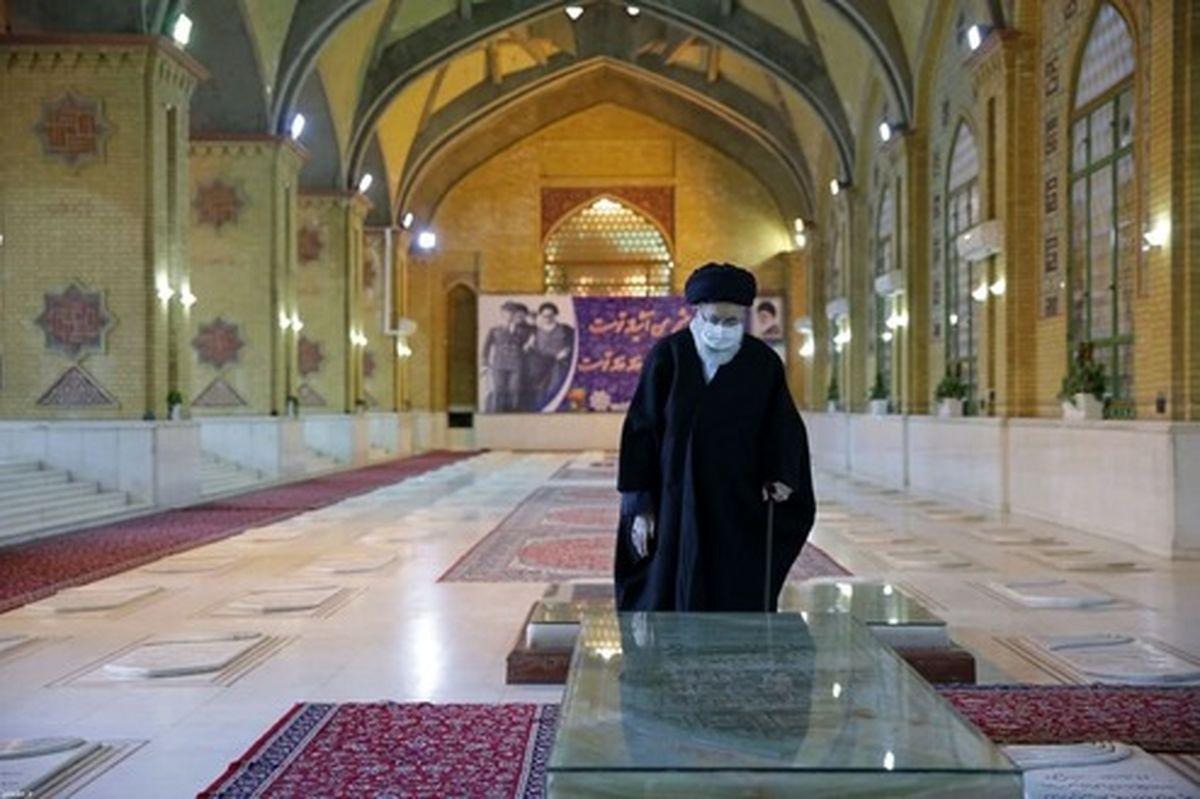 تصاویر: حضور صبح امروز رهبر انقلاب در گلزار شهدا