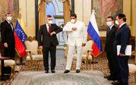 شیوه دست دادن رئیس جمهور ونزوئلا و سفیر روسیه +عکس