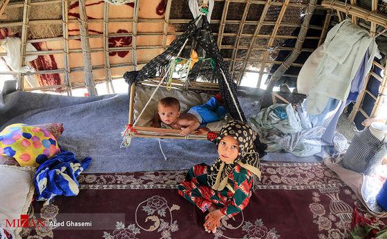 تصاویر: جولان گرما در کمپ سیل زدگان زاج و داربست