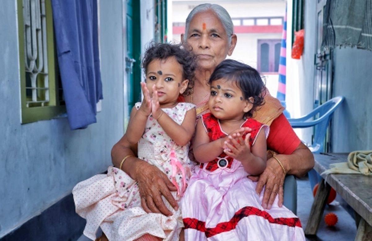 دردسرهای پیرترین مادر دنیا +تصاویر
