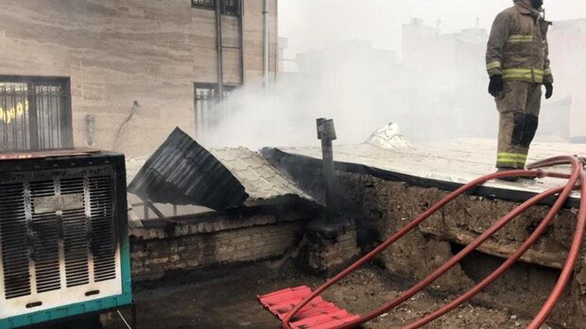 آتش سوزی در یک ساختمان دو طبقه در تهران