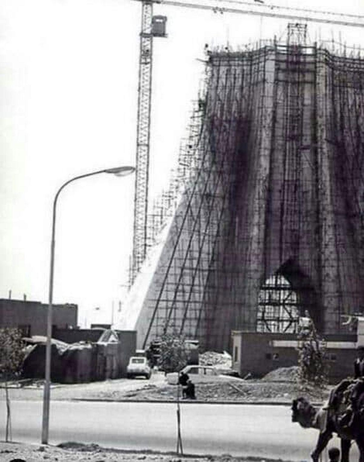 برج آزادی تهران در حال ساخت +عکس