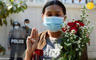 سلام نمادین میانماری ها به کودتا +عکس