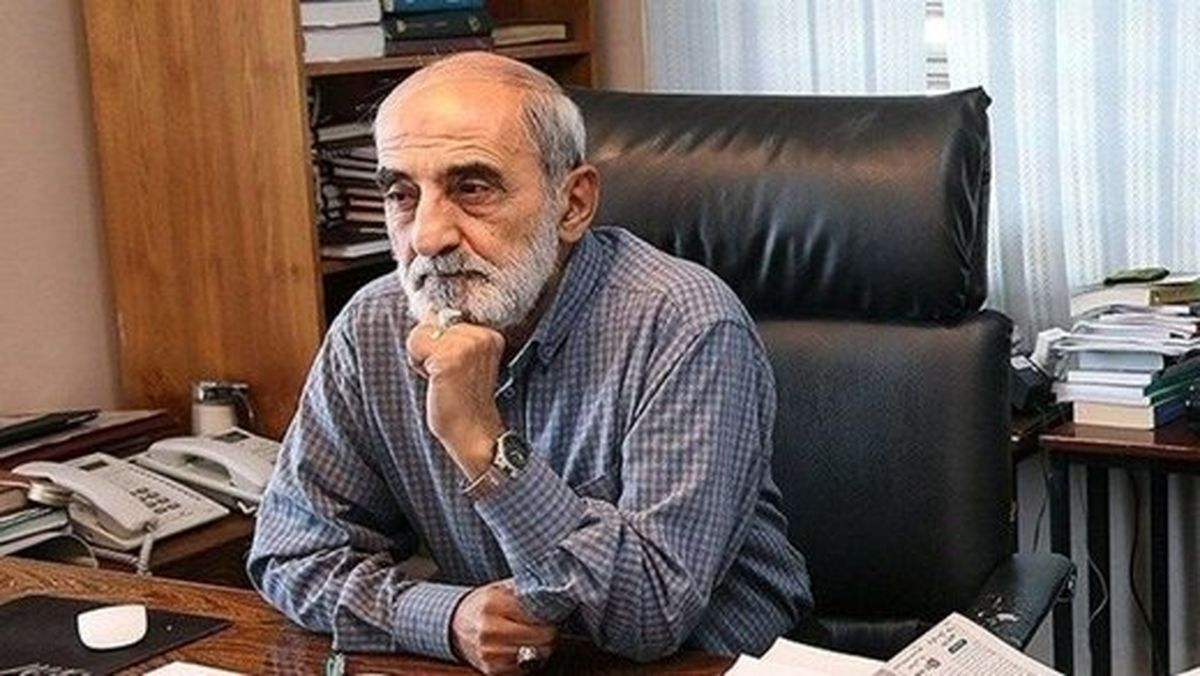 مدیرمسئول کیهان: ظریف متدین است اما کلاه سرش میرود