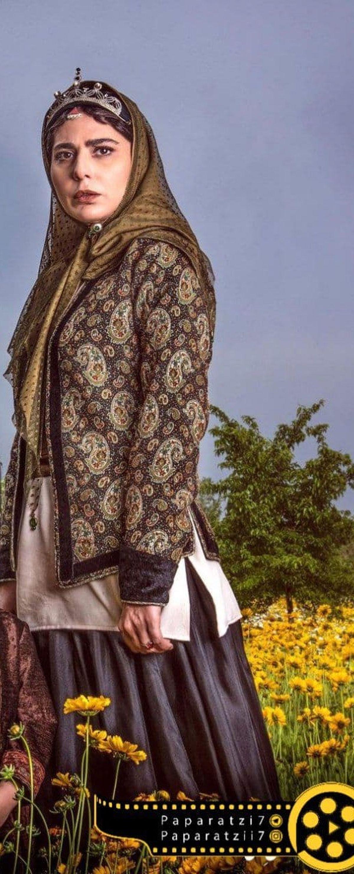 رعنا آزادیور در نقش تاج الدوله +عکس