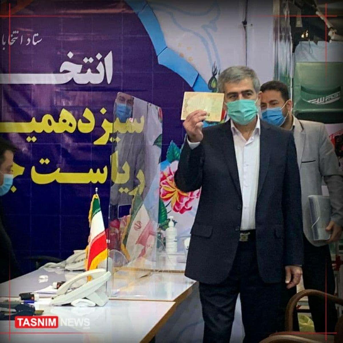 فریدون عباسی: مستقل در انتخابات شرکت میکنم