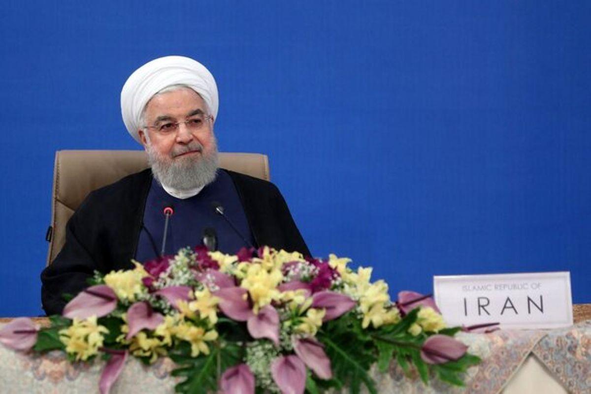 روحانی: کرونا مدام تغییر میکند