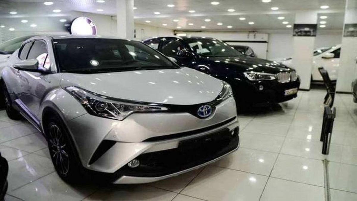 قیمت گذاری خودرو با دلار ۵۰ هزار تومانی!