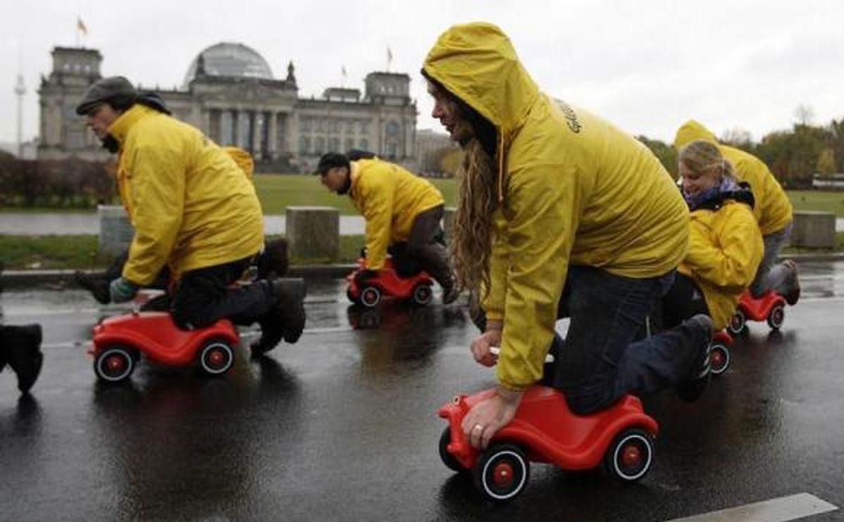 عکس/مسابقه ماشینهای اسباببازی!