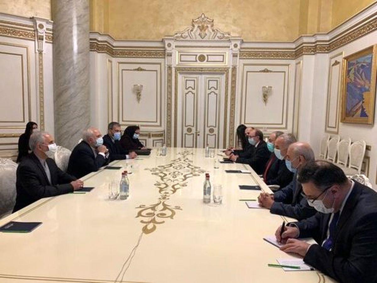 ظریف: ارمنستان یک همسایه خوب برای ایران است