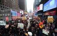 عکس: سنگر گرفتن عکاس رویترز در جریان تظاهرات مینیاپولیس