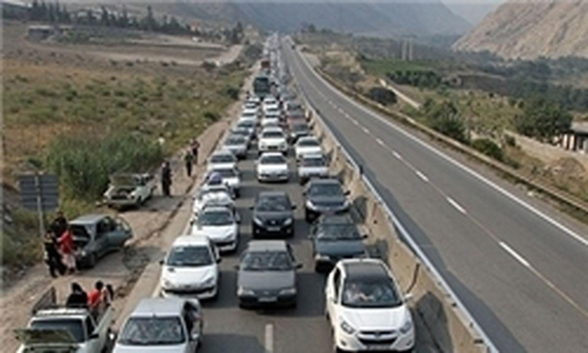 ترافیک نیمهسنگین در محور هراز