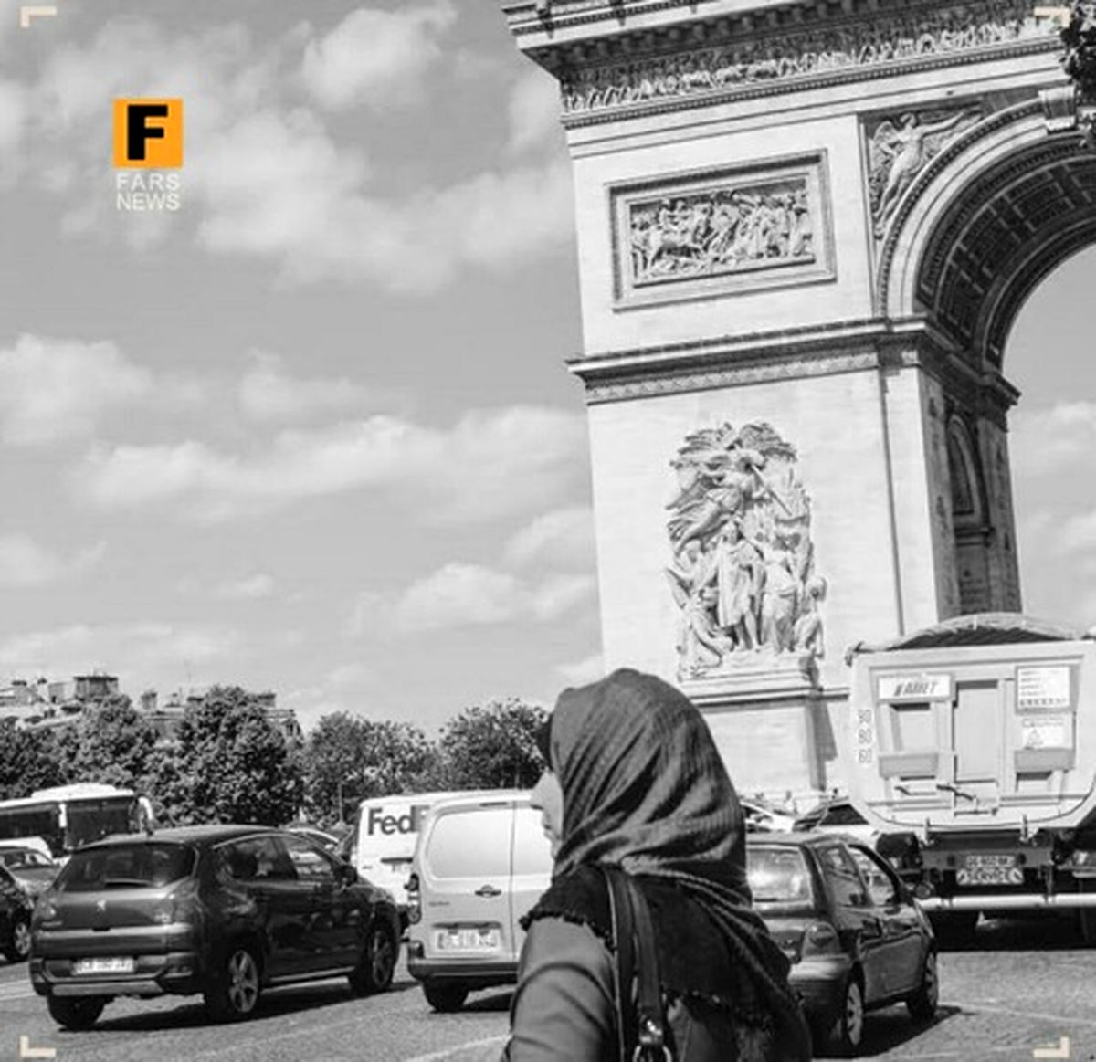 حجاب خار چشم وزیر فرانسوی