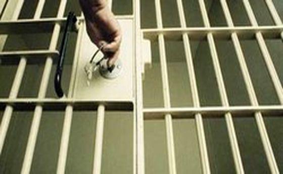 افزایش مراجعه کارتنخوابها به زندان در فصل سرما!