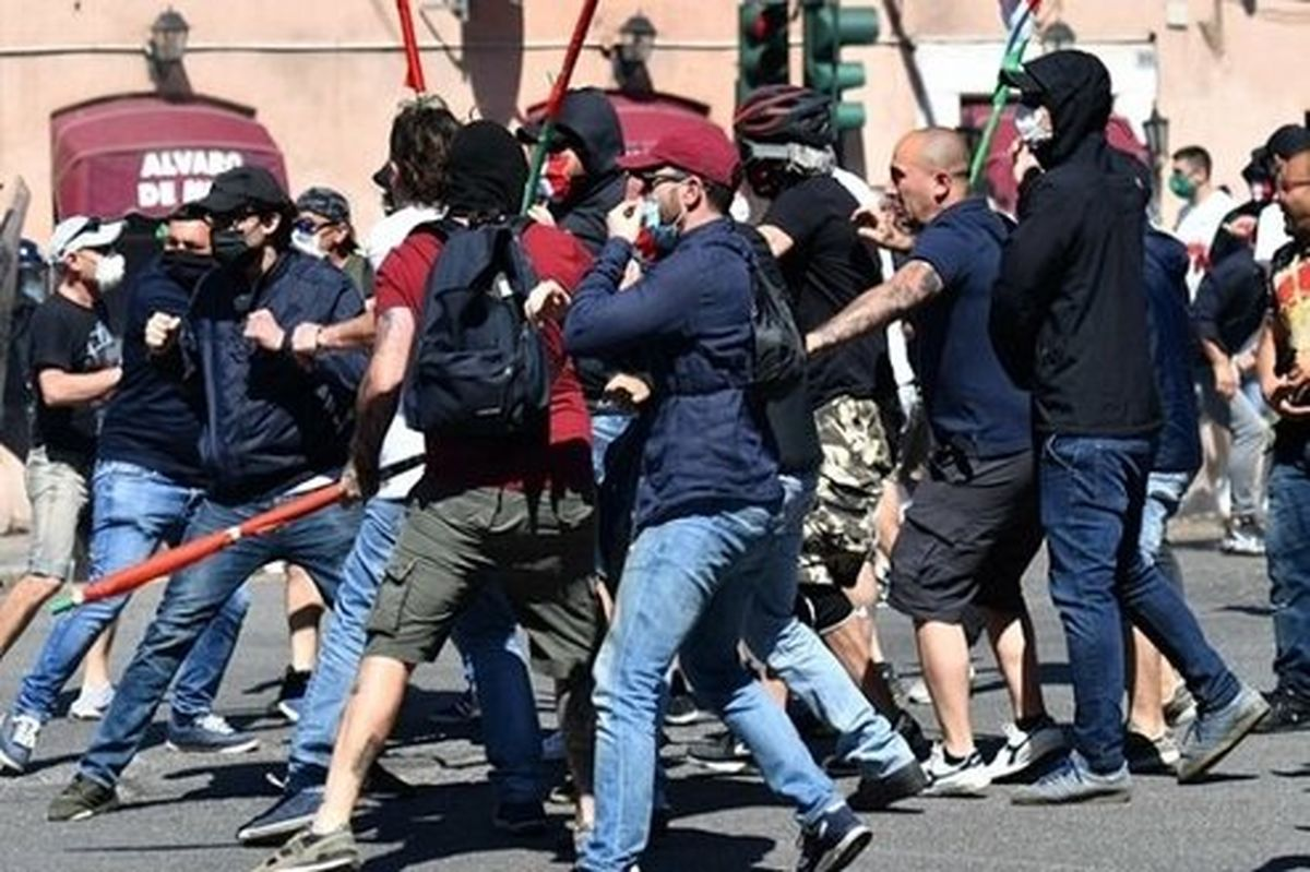 اعتراضات ضدنژادپرستی در انگلیس به خشونت کشیده شد