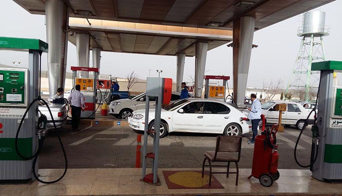 واریزسهمیه بنزین مهر/ چه کسانی ۵۰۰ لیتر بنزین گرفتند؟