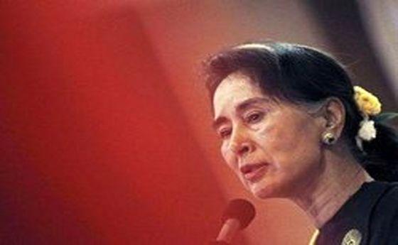 سوچی به شفافیت در تحقیقات مرتبط با روهینجاییها وعده داد