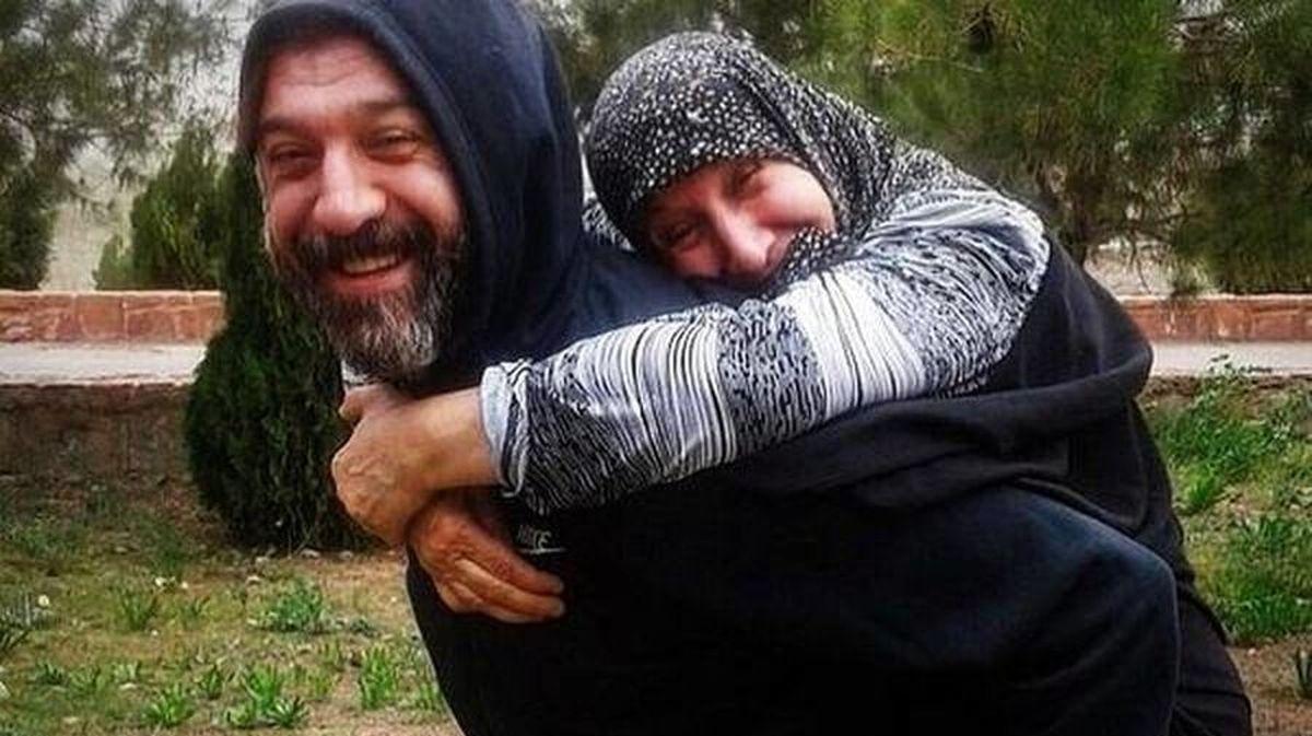 آخرین عکس علی انصاریان در کنار مادر و برادرش
