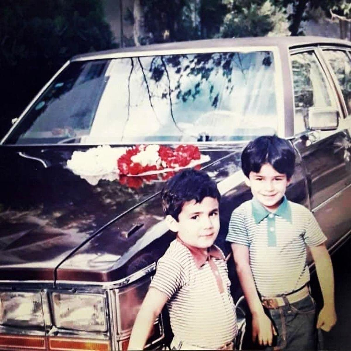 عکس زیرخاکی از یوسف تیموری و برادرش در شش سالگی