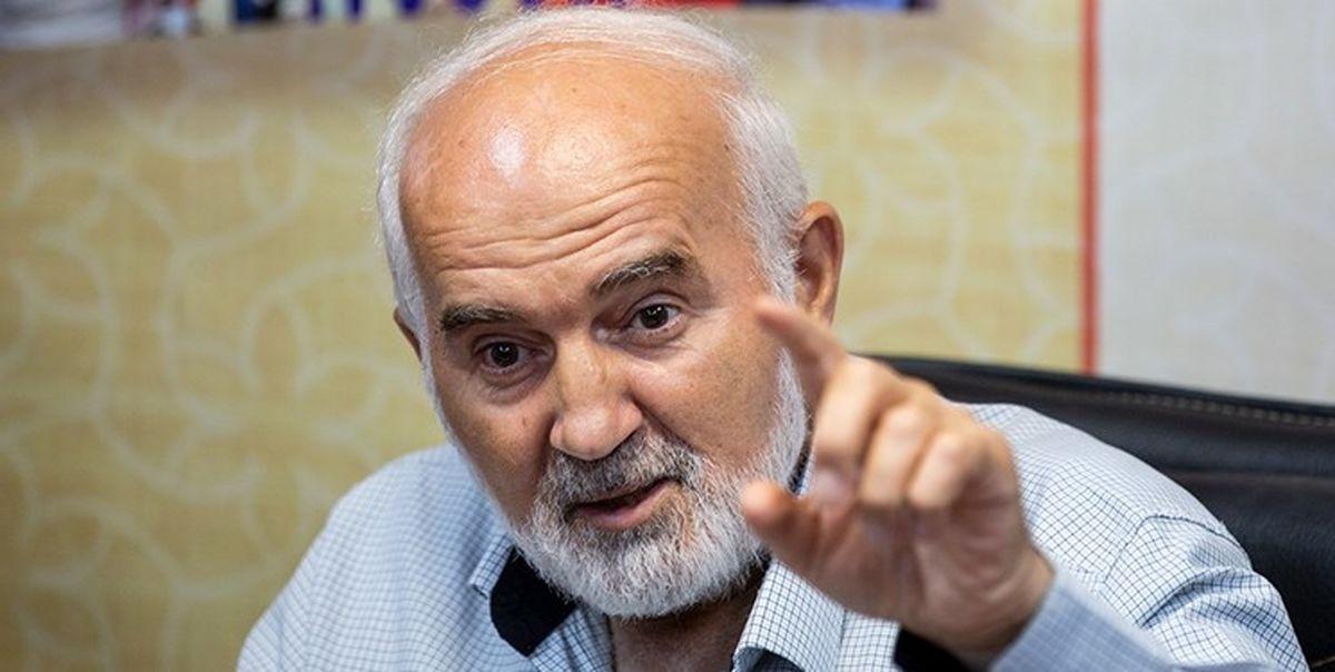 احمد توکلی: شرورهای ما یقه سفید هستند