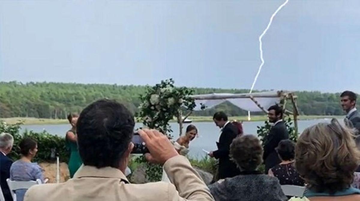 اتفاق جالب زمان شوخی داماد در جشن عروسی!