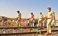 قطاری در هند از روی ۱۷ کارگر رد شد +عکس