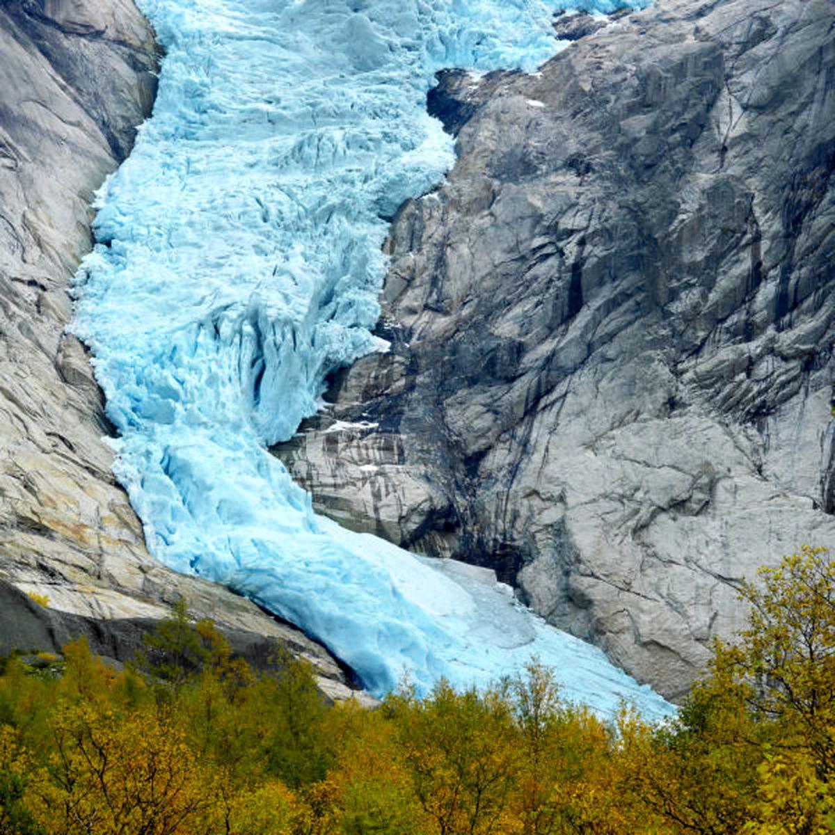 رودخانه یخ زده/عکس
