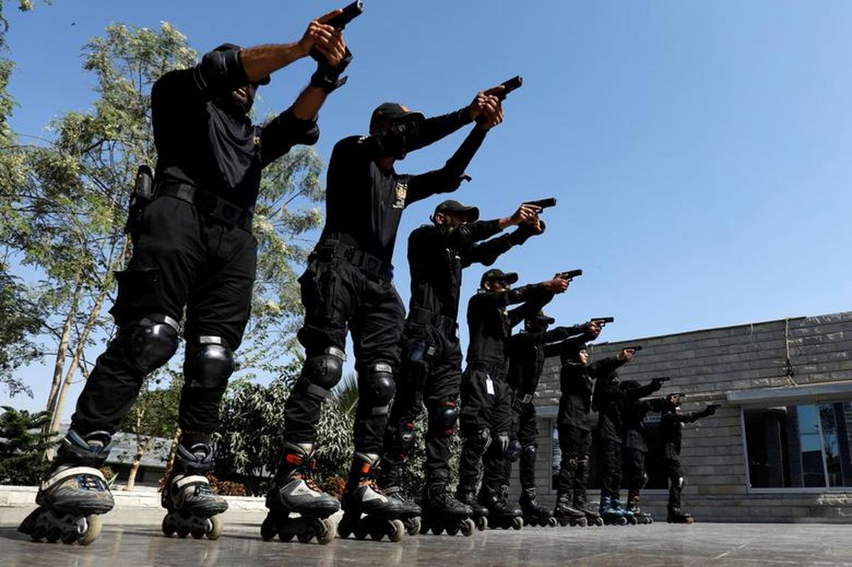 تمرین پلیس اسکیت سوار یگان ویژه  +عکس
