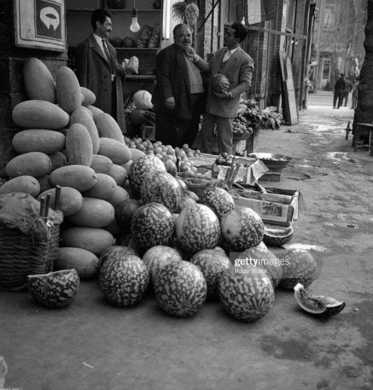 هندوانه فروش در تهران ۱۳۴۰+عکس
