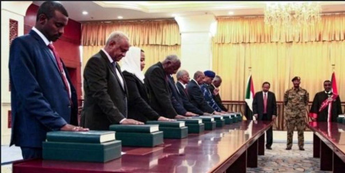 ۶ وزیر سودانی استعفا کردند/ یک وزیر برکنار شد