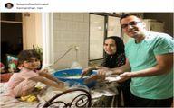 نان پزی هنرپیشه مرد ایرانی همراه مادر و دخترش +عکس